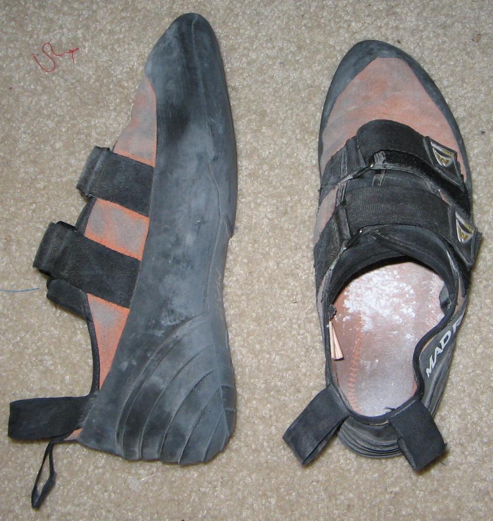 Le pedule per larrampicata, in spagnolo hanno un nome bellissimo: si chiamano piedi di gatto.