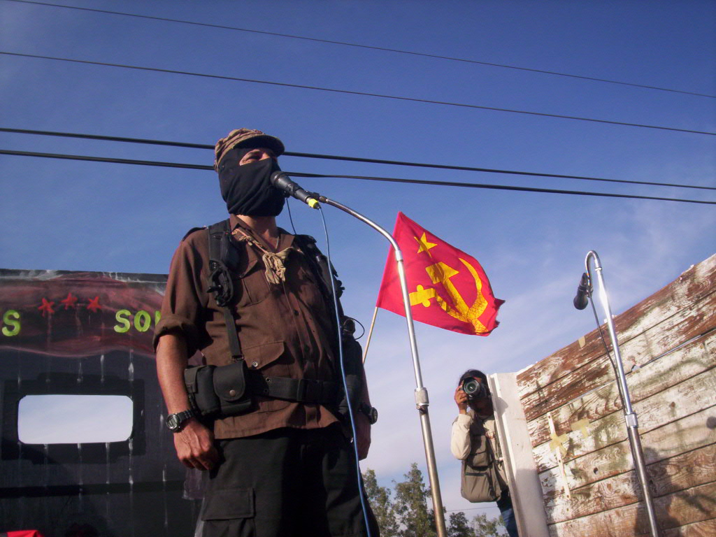 https://i1.wp.com/upload.wikimedia.org/wikipedia/commons/c/c0/Subcomandante_Marcos_en_Salamanca_050.jpg