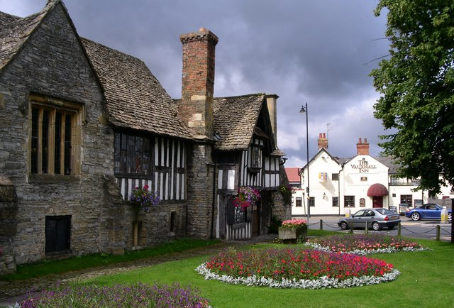 Evesham Almonry heritage centre