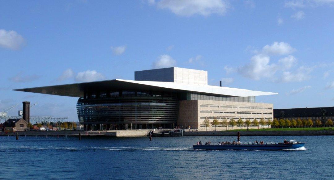 Znalezione obrazy dla zapytania opera house copenhagen