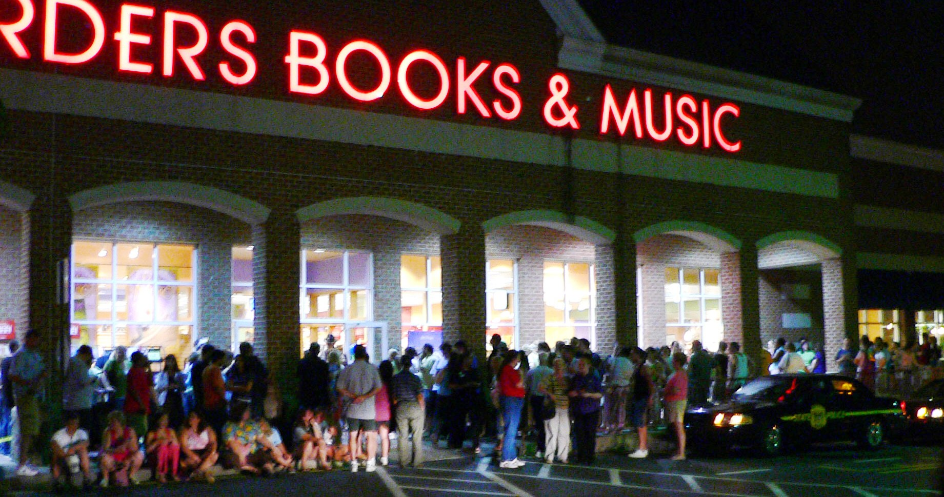 Call me a skeptic, but I dont think that they will be waiting in line like this for Sarah Palins book