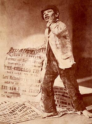 English: London Newsboy Selling Pall Mall Gaze...