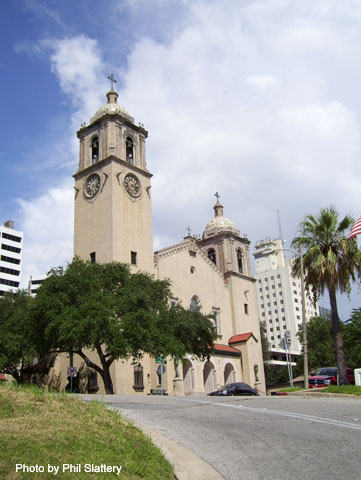 File:The Corpus Christi cathedral on Upper Broadway in downtown Corpus Christi, TX..jpg