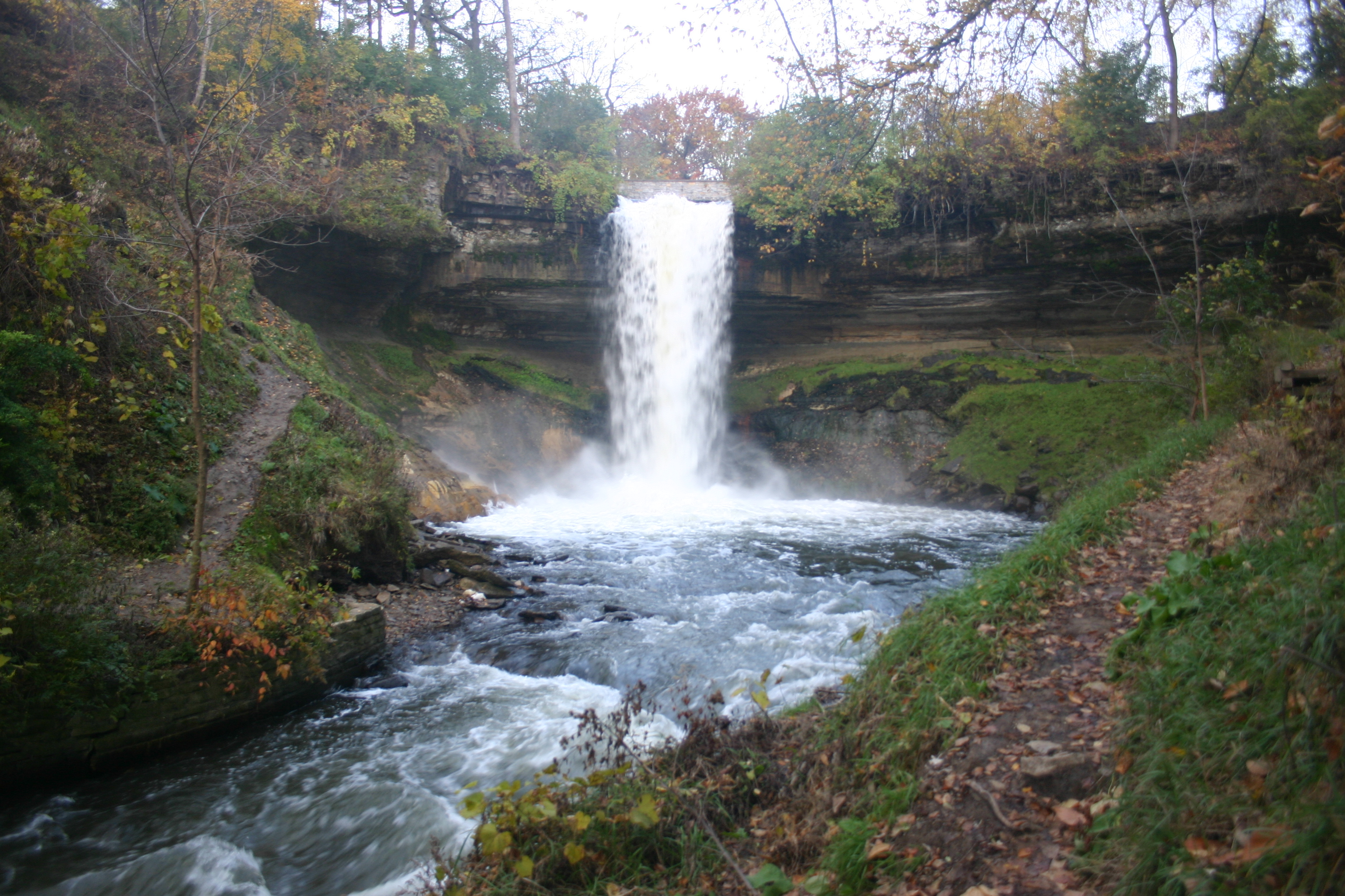 Minnehaha Falls, Minneapolis, Minn. (Wikipedia)