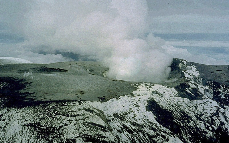 File:Nevado del Ruiz summit 1985 - Marso.jpg