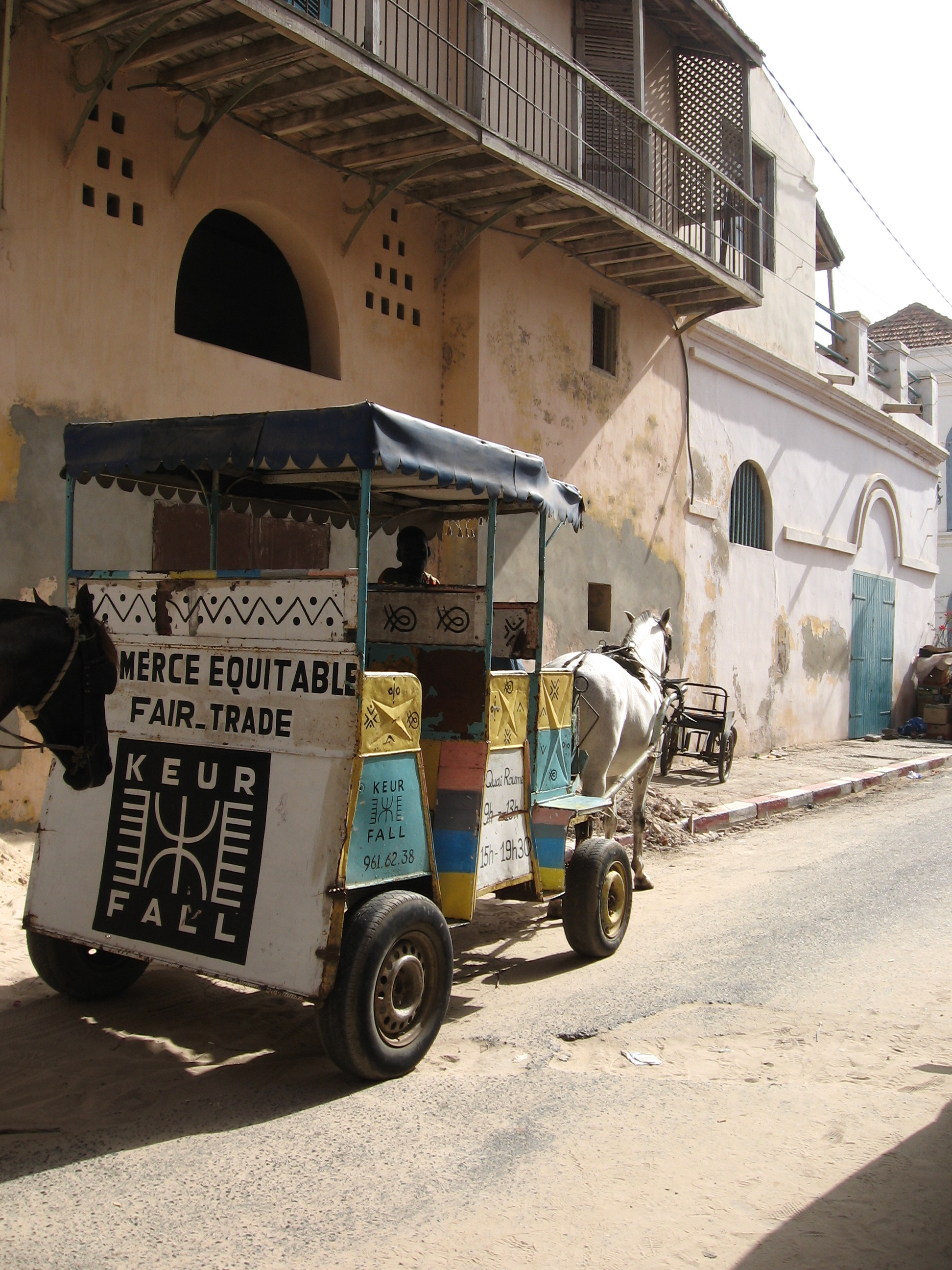 https://i1.wp.com/upload.wikimedia.org/wikipedia/commons/c/c6/Saint_louis_Senegal_cart_2006.jpg