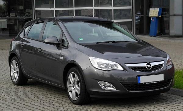 File:Opel Astra (J) – Frontansicht, 21. Juni 2011 ...