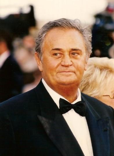 File:Roger Hanin Cannes 2.jpg
