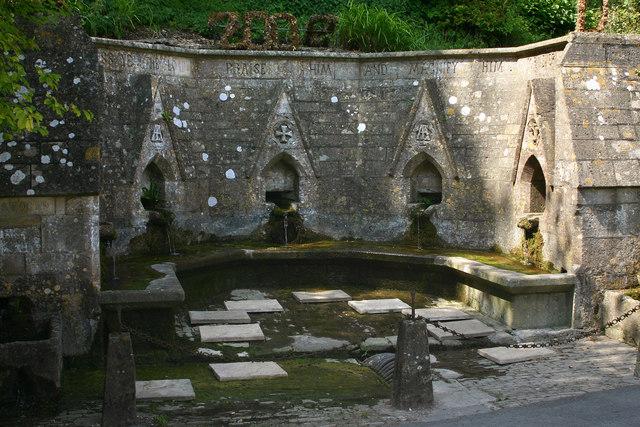 File:Bisley Wells - geograph.org.uk - 524658.jpg - Wikimedia Commons