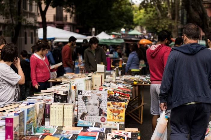 Feira de Tristan Navaja - Por Rodrigo Olivera from Montevideo, Uruguay (Libros en Feria Tristán Narvaja) [CC BY 2.0 (http://creativecommons.org/licenses/by/2.0)], via Wikimedia Commons