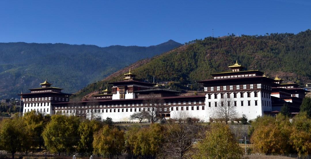 Tashichho Dzong - một trong những điểm đến phổ biến nhất khi du lịch Bhutan