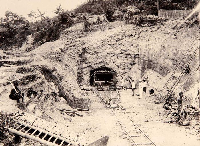 pembangunan terowongan kereta notog 2