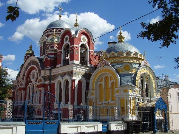 File:Великокняжеская церковь на реконструкции.JPG ...