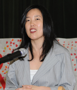 English: Michelle Rhee speaking to a NOAA stud...