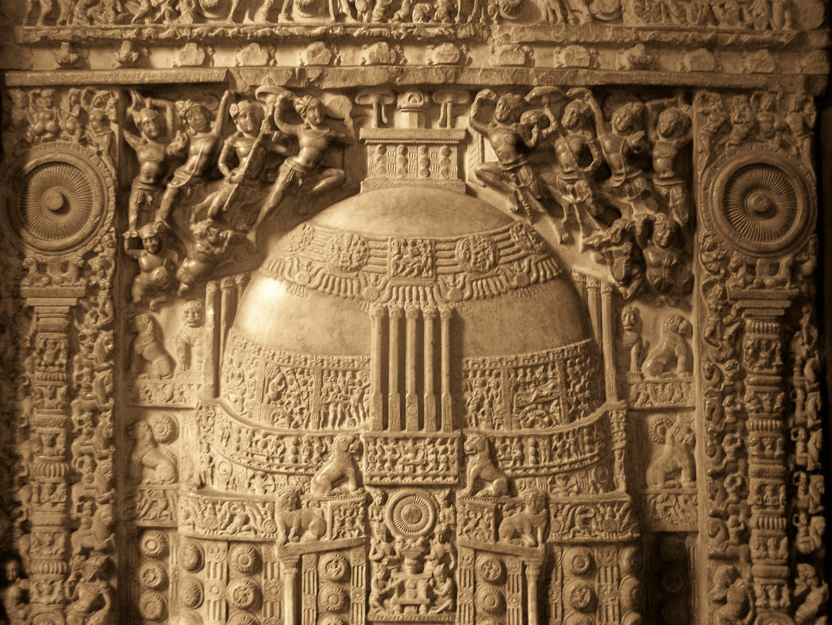 https://i1.wp.com/upload.wikimedia.org/wikipedia/commons/c/ce/Amaravati_Stupa_relief_at_Museum.jpg
