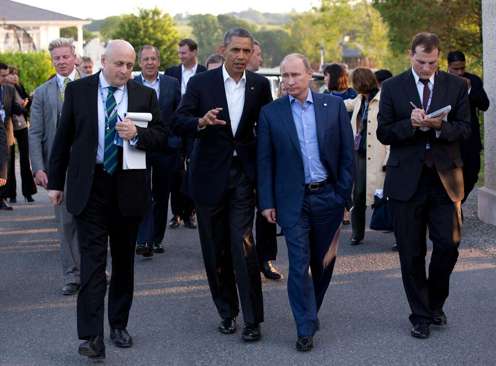 https://i1.wp.com/upload.wikimedia.org/wikipedia/commons/c/ce/Barack_Obama_and_Vladimir_Putin_walking_in_Ireland.jpg