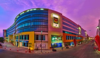 phoenix-market-city-largest-mall-in-india