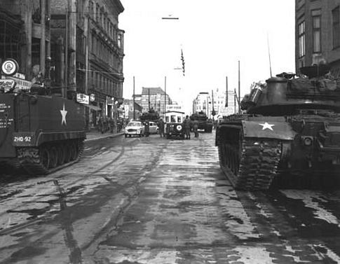 Checkpoint_Charlie_1961-10-27 Карибский кризис. Итоги. Часть 1.