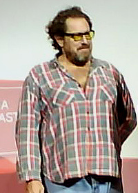 the American artist Julian Schnabel