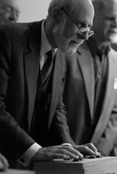 Image of Vint Cerf playing Spacewar! on the Computer History Museum's PDP-1, ICANN meeting, 2007