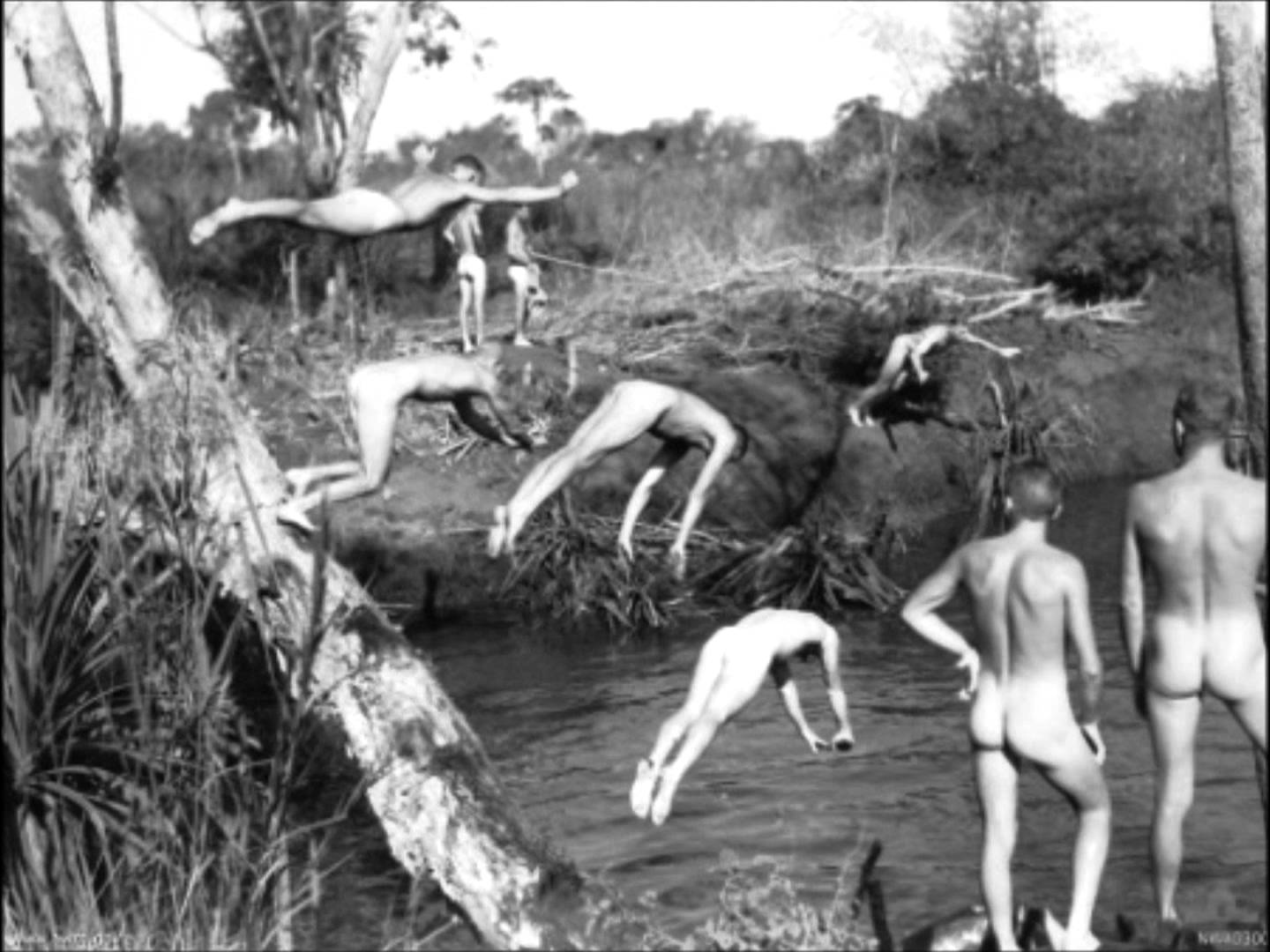 File:RAAF 1943 swimming nude.jpeg