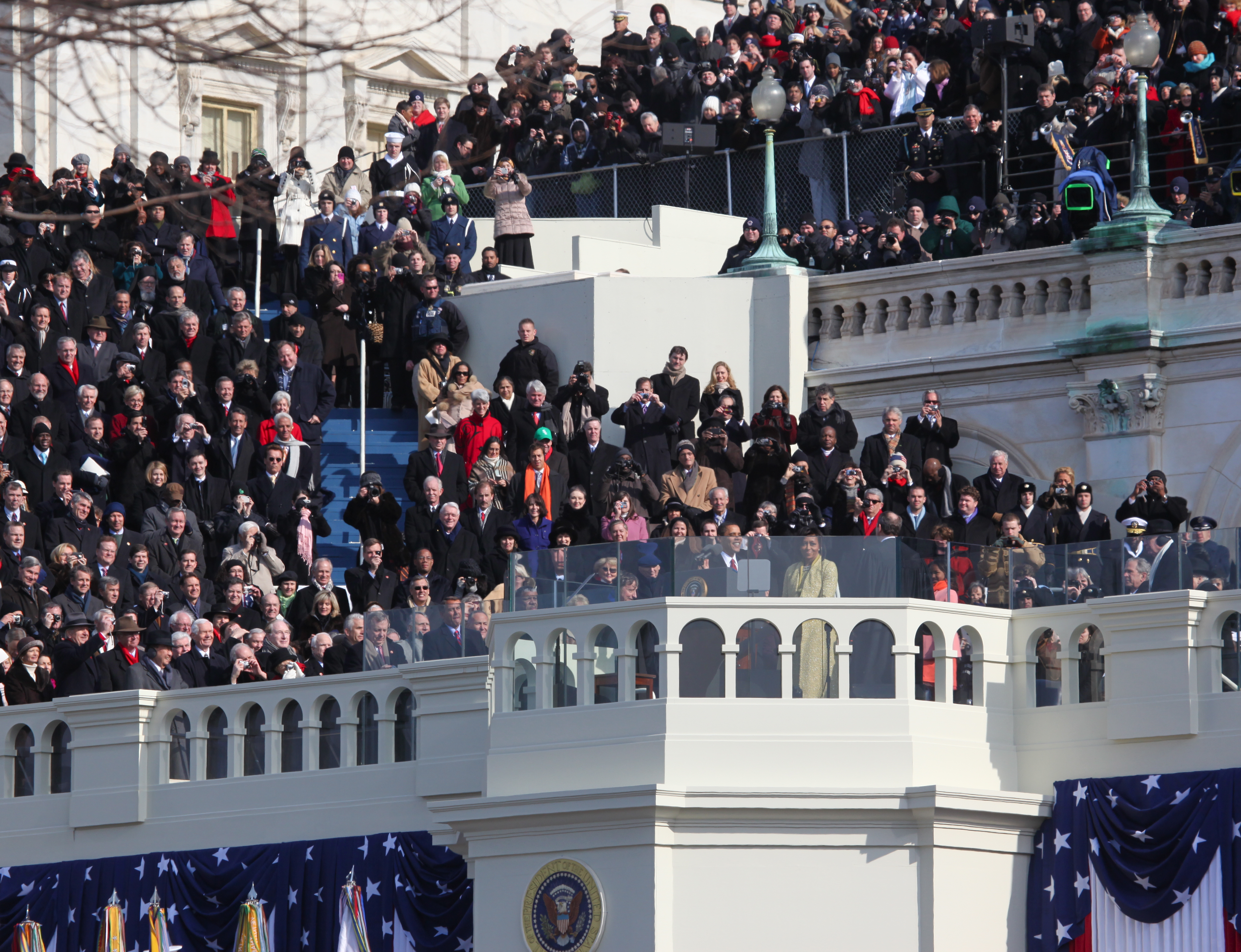 https://i1.wp.com/upload.wikimedia.org/wikipedia/commons/d/d6/Barack_Obama_Inauguration.jpg