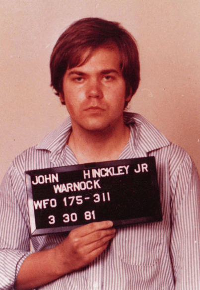 https://i1.wp.com/upload.wikimedia.org/wikipedia/commons/d/d9/John_Hinckley,_Jr._Mugshot.png