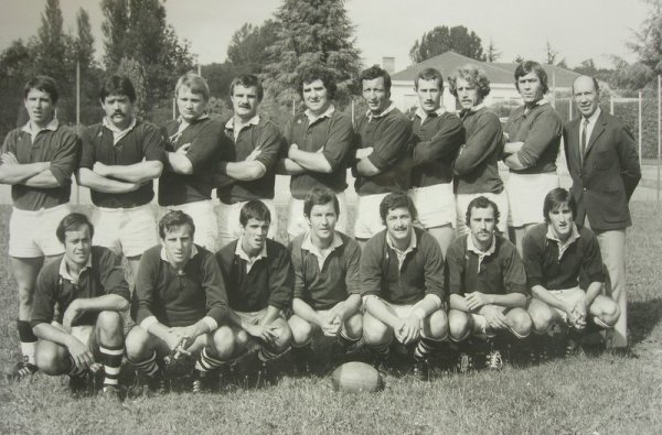 Fichier:Equipe Fumel 1976.jpg — Wikipédia
