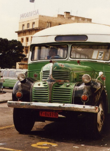https://i1.wp.com/upload.wikimedia.org/wikipedia/commons/d/da/Malta_01_bus.jpg