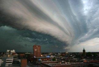 File:Rolling-thunder-cloud.jpg