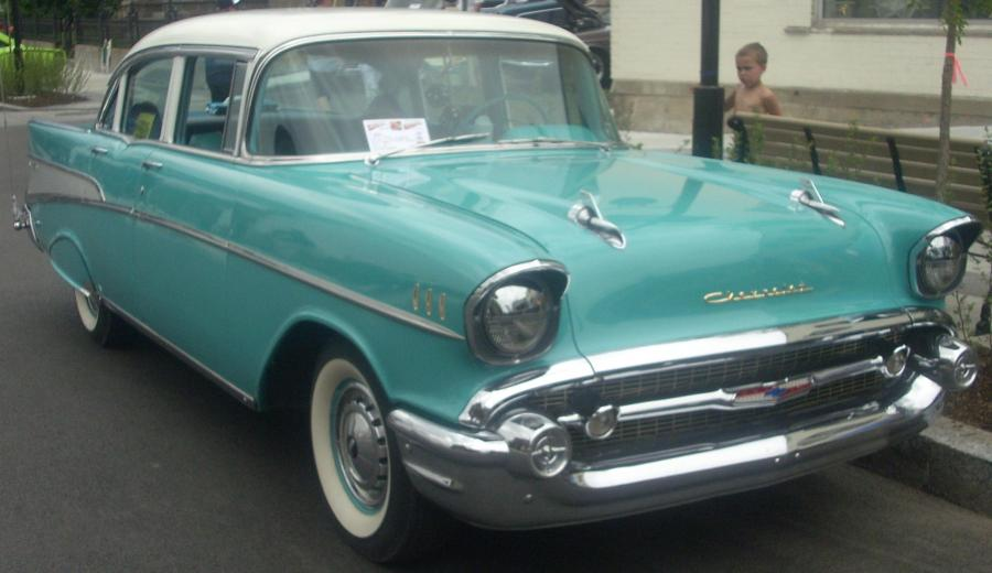 1955 chevrolet cars » Chevrolet Bel Air     Wikipedia Chevrolet Bel Air 4 Door Sedan mit optionaler hinterer Radabdeckung  1957