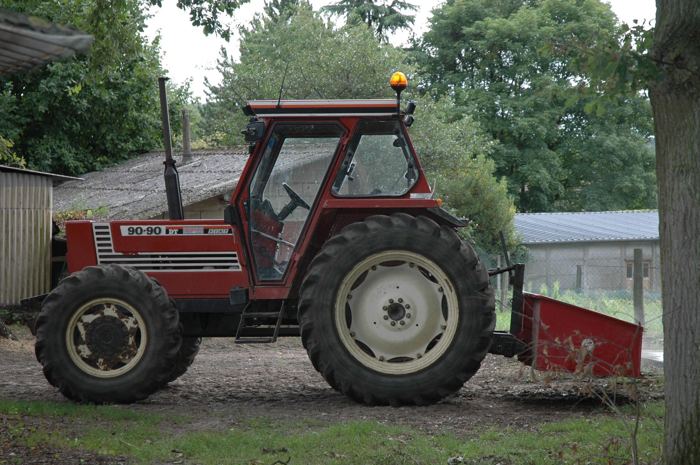 Datei Fiat 90 90 Dt Tractor 2005 08 07 Jpg Wikipedia