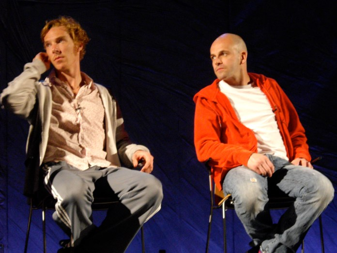 https://i1.wp.com/upload.wikimedia.org/wikipedia/commons/d/dc/Benedict_Cumberbatch_and_Jonny_Lee_Miller_01.jpg?resize=696%2C522&ssl=1