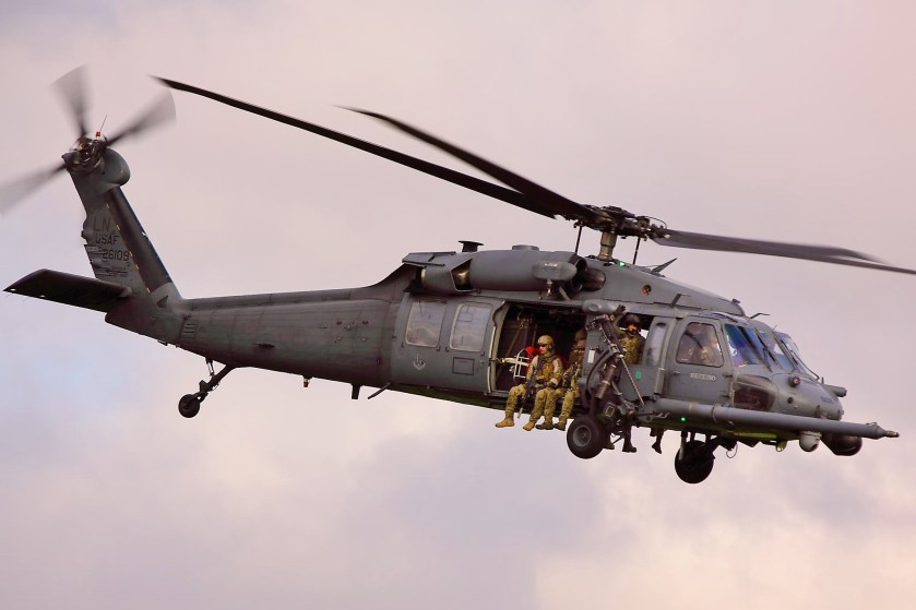 https://upload.wikimedia.org/wikipedia/commons/d/dd/HH60_Pave_Hawk_-_American_Air_Day_Duxford_(7125012961).jpg