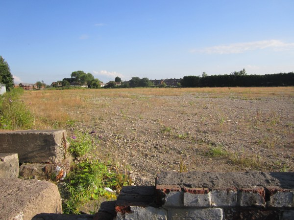 File:Brownfield site near Cromwell Road, Ellesmere Port ...