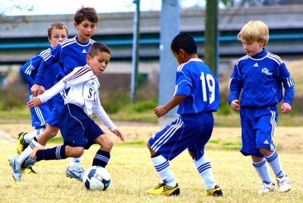 скачать картинки про футбол с ребенком - Футбол
