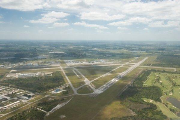 Treasure Coast International Airport - Wikipedia