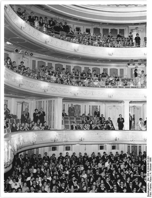Applaus für Herrn Clown, deutsches Bundesarchiv (so berühmt ist er), cc by sa Lizenz