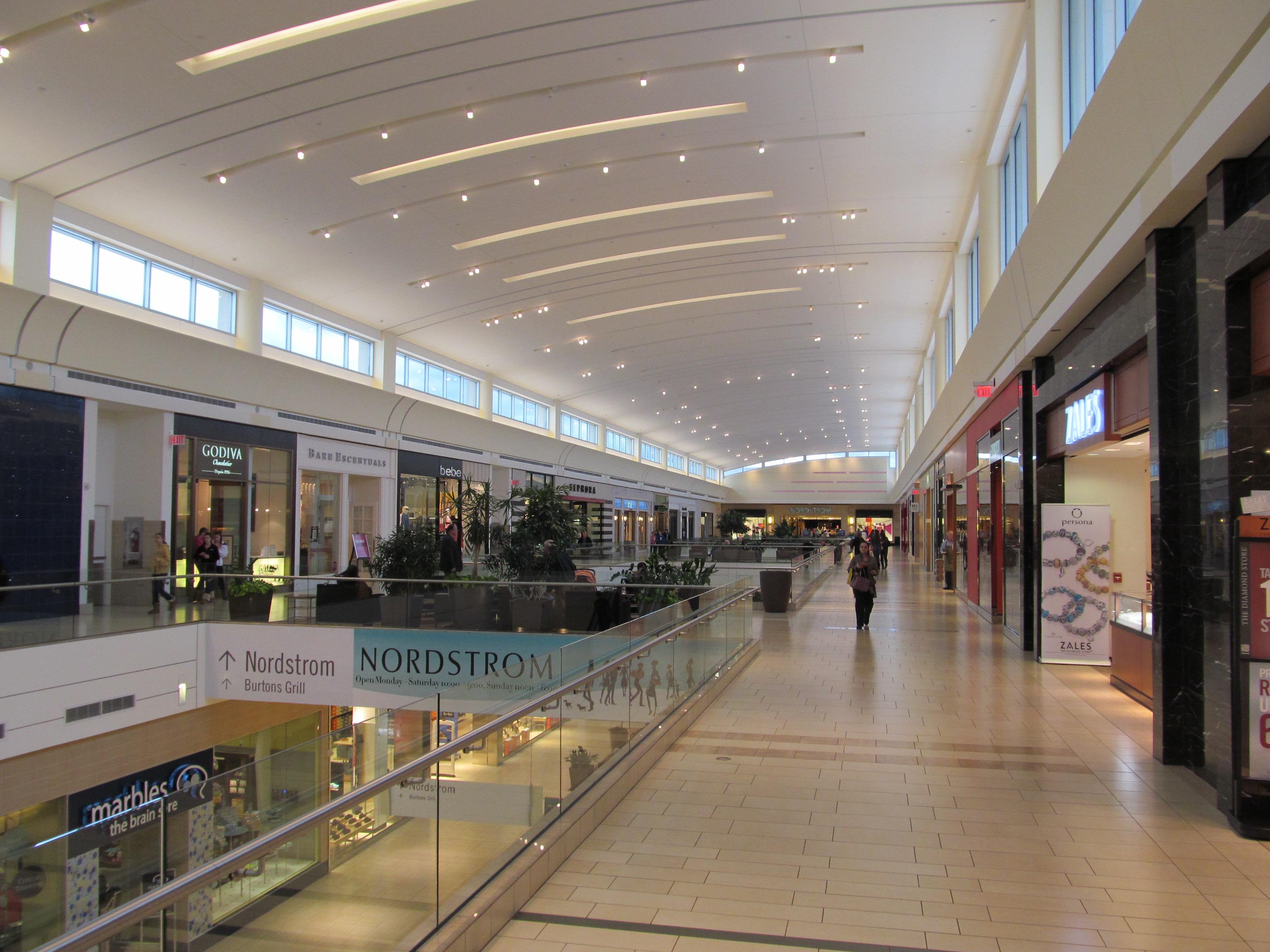 FileInside The Northshore Mall Peabody MAjpg