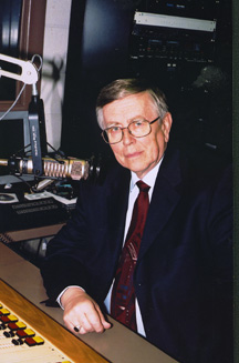 File:Vic Eliason in Studio.jpg