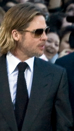 English: Brad Pitt at the Toronto Internationa...