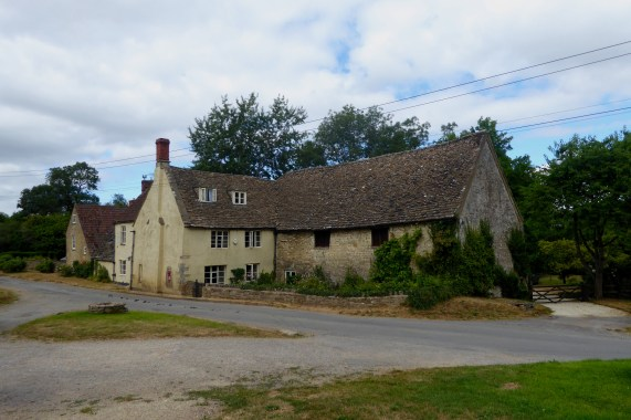 File:House in Hawkesbury, Gloucestershire.jpg - Wikimedia Commons