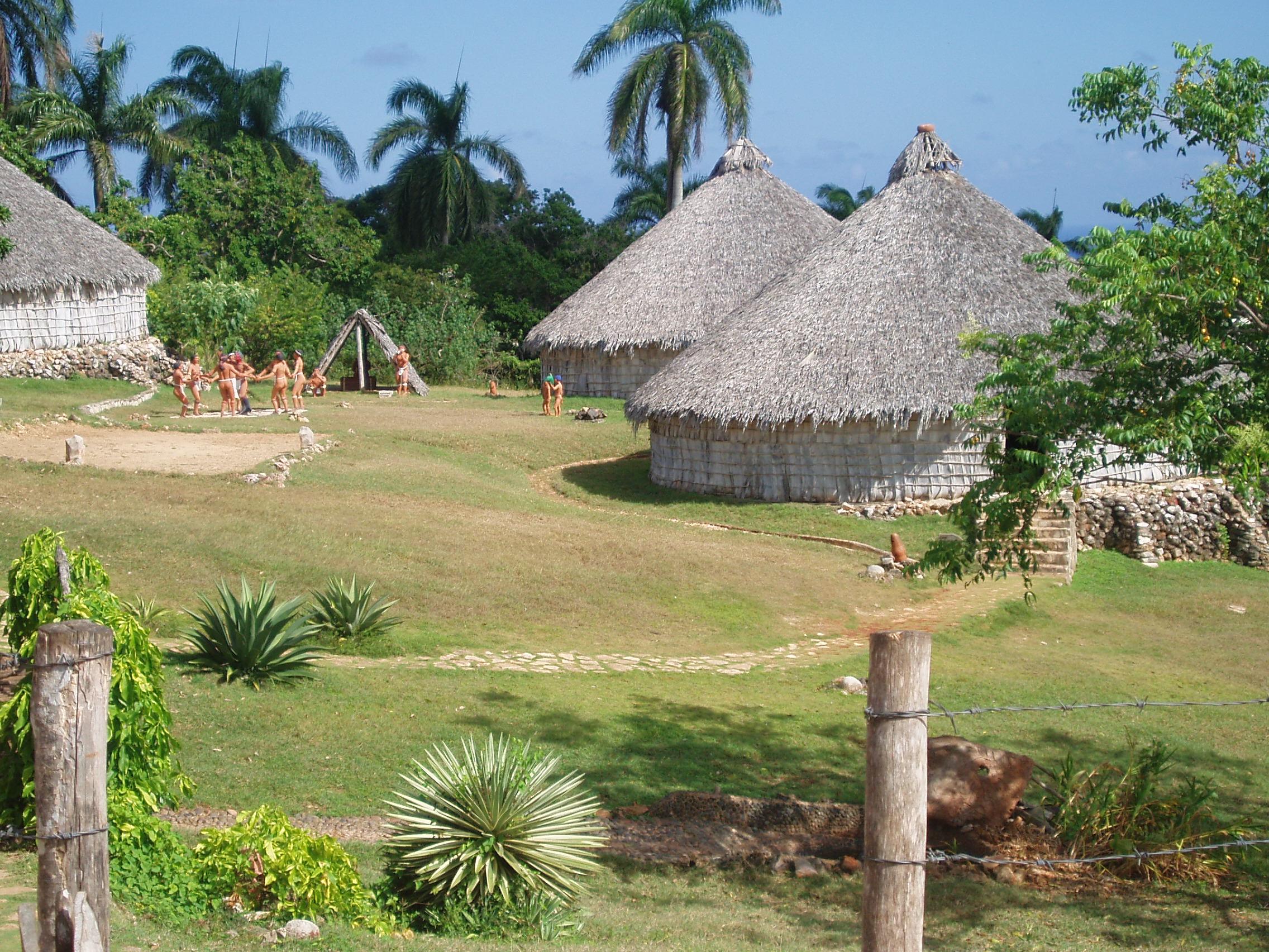 https://i1.wp.com/upload.wikimedia.org/wikipedia/commons/e/e5/Reconstruction_of_Taino_village,_Cuba.JPG