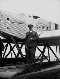 Svenska: Albin Ahrenberg (1889-1968) försökte ...