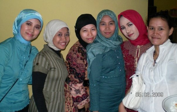 Hijab-Indonesia Anna Martadiningrat.jpg