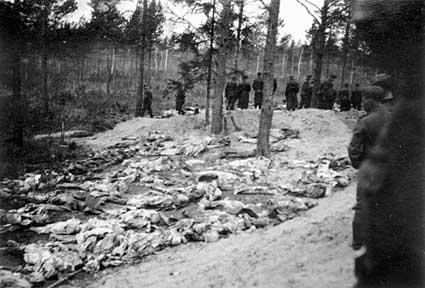 Archivo:Katyn massacre 7.jpg