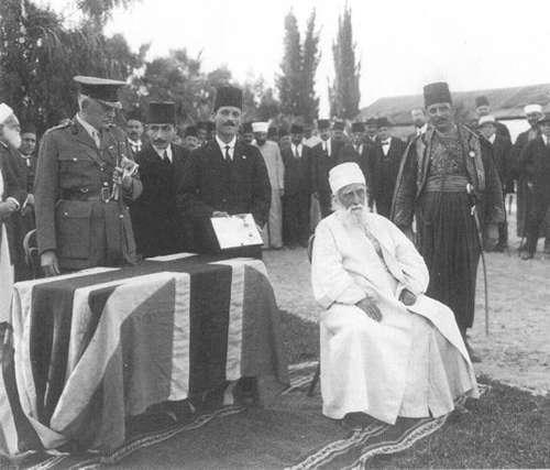 'Abdu'l-Bahá wird zum Ritter geschlagen || 1920