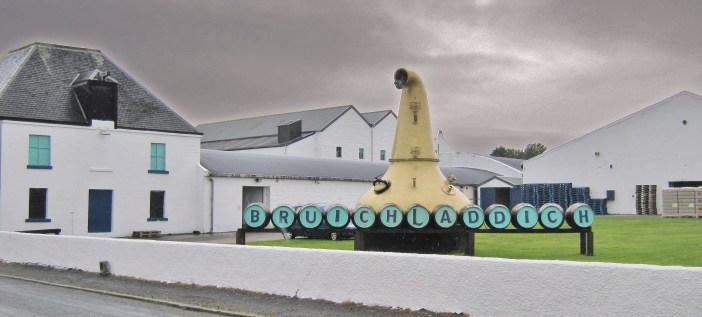 English: Bruichladdich Distillery Deutsch: Bru...