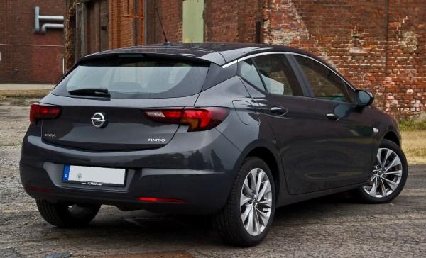 File:Opel Astra 1.4 EDIT Edition (K) – Heckansicht (1), 31 ...