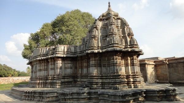 File:Sadasiva temple at Nuggehalli - Hassan district of ...